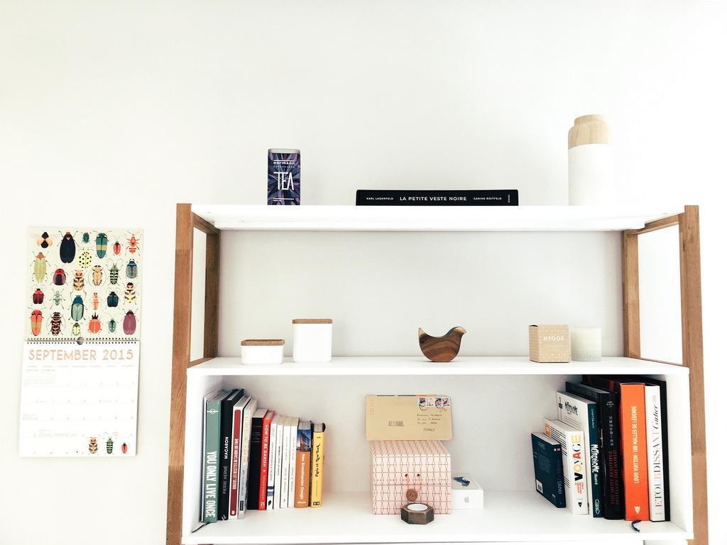 minimaliste, espace, bureau, simplicité, livres,