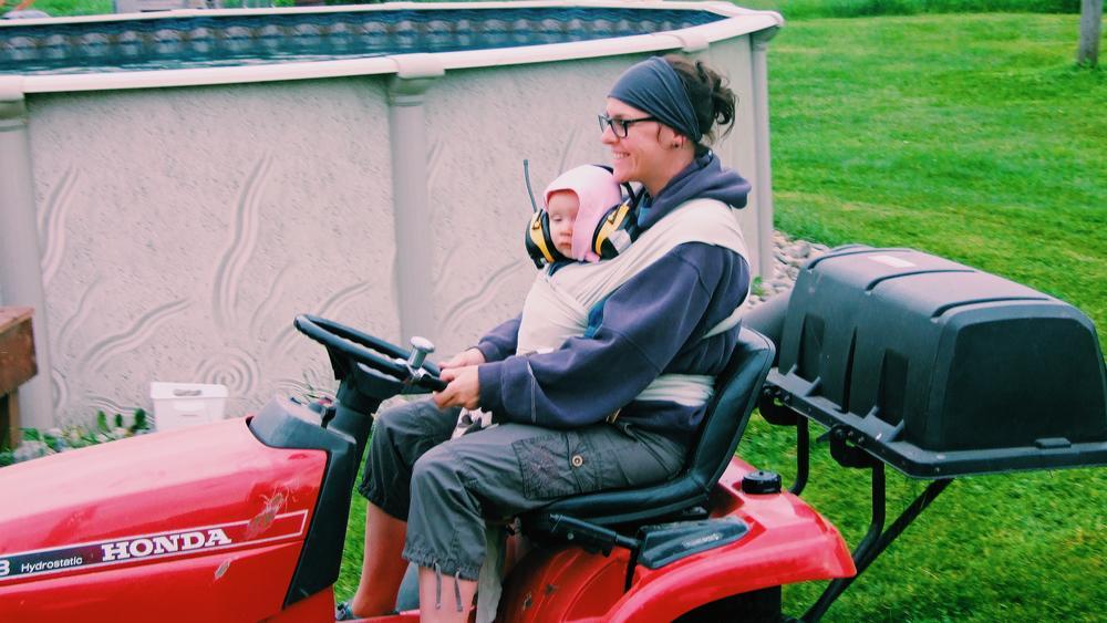 enfant maman tracteur